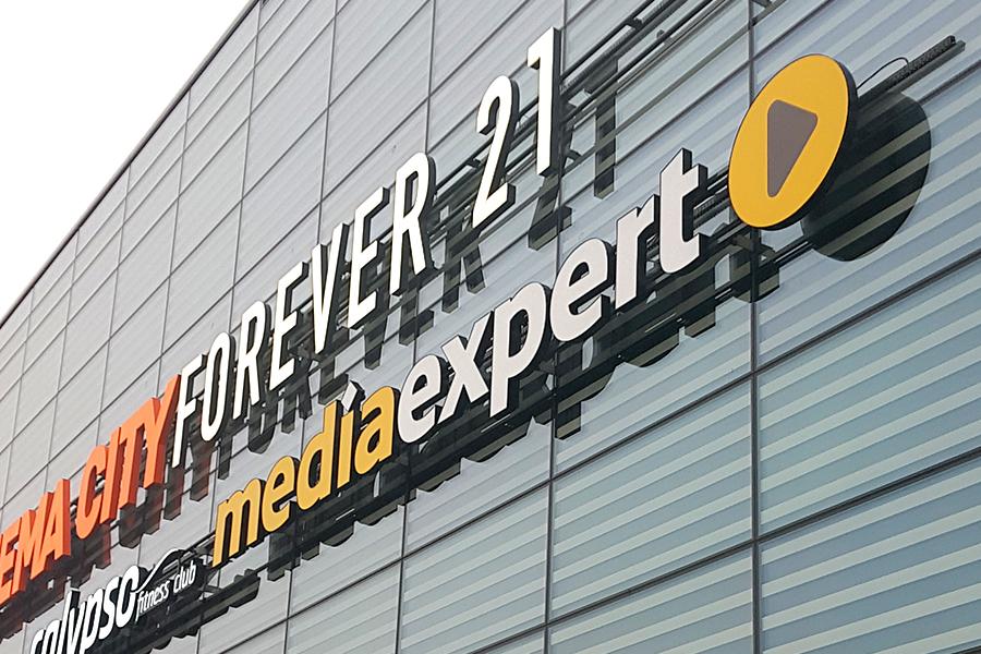Litery przestrzenne – Media Expert Galeria Północna Warszawa