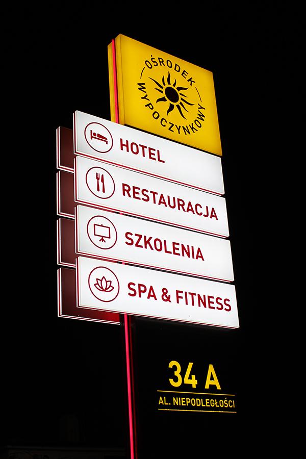 Pylon reklamowy – Restauracja Słoneczna Jarocin