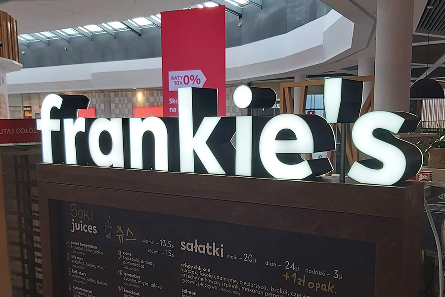 Podświetlane litery 3D – CH Aleja Bielany Wrocław,stoisko gastronomiczne Fankie's